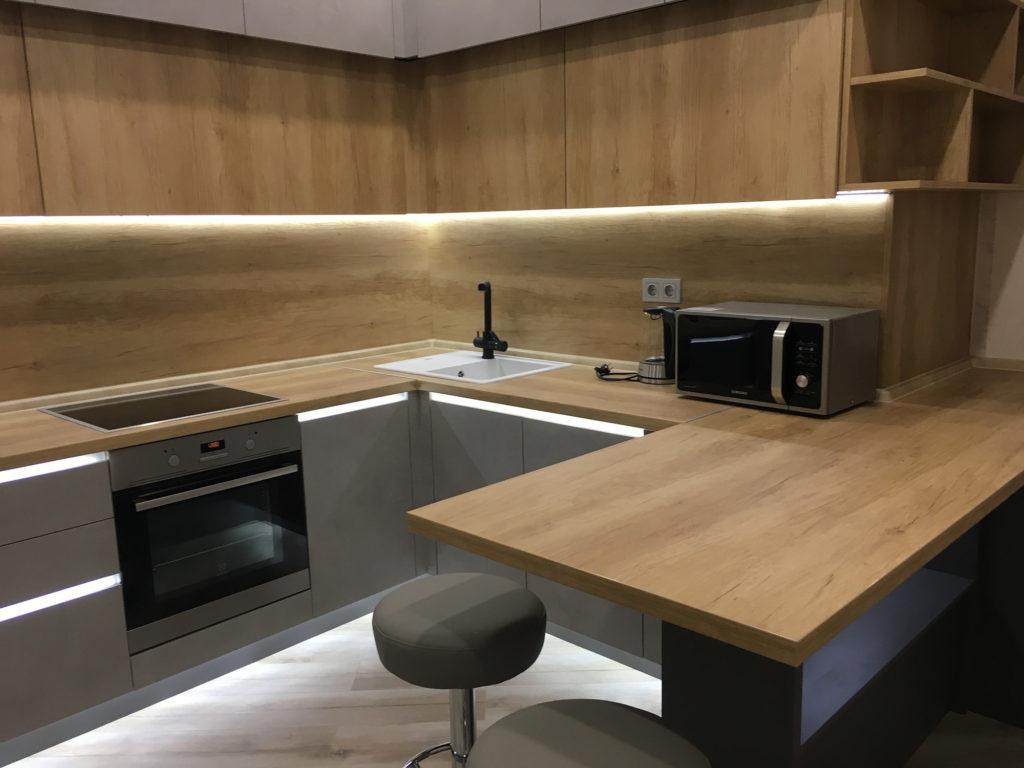 Sky Apartments кухня